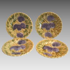"Set of 4  Great Sarreguemines France Majolica 7 3/4 "" Plums ~ DIGOIN AND VITRY-LE-FRANCOIS (Sarreguemines, France) – 1920-1950"