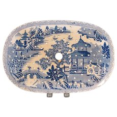 Blue Willow Platter Drainer ca. 1825