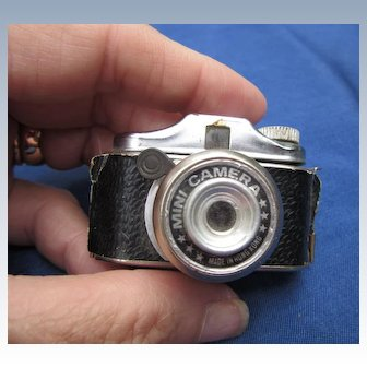 Tiny Vintage Working Camera for Doll to Hold