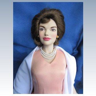 Vintage Vinyl Franklin Mint Jackie Kennedy doll in Box