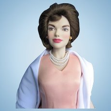 Vintage Vinyl Franklin Mint Jackie Kennedy doll in Box