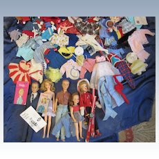 Vintage Ideal Tammy 5 Family Dolls, Clothes in Trunk