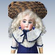Antique Closed Mouth Belton Bebe by Bähr and Proschild