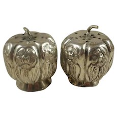 Prieto Mexico Sterling Silver Repousse Pumpkin Salt and Peppers