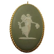 Large Wedgwood 1972 Gold Filled Pendant/Brooch