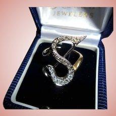 "18K Diamond ""S"" Cursive Letter Initial Ladies Ring Size 8.5 White & Yellow Gold"
