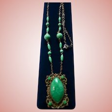 Green Czech Glass Lavaliere Necklace Deco Era