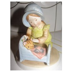 "Holly Hobbie Designer Collection ""Pleasant Dreams"" Figurine - b25"