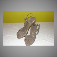 T-tiny Size 4 Taupe Naturalizer Peep Toe Low Heel shoe - b35