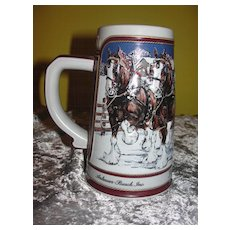 Budweiser 1989 ''Hitch on a Winter's Evening'' Ceramarte Beer Stein - b44