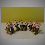 Santa in Gold Boots Christmas ornaments - b39