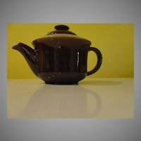Red Wing Village Tea Pot - b50