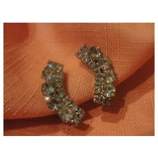 Curved to frame your Face Rhinestone Clip-on Earrings - Free shipping