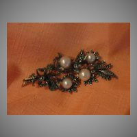 Rhinestone and faux pearl Spray Pin - Free shipping