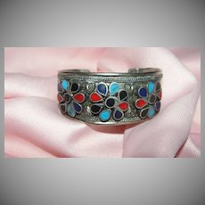 Trio of Flowers in a Row Bracelet - Free shipping