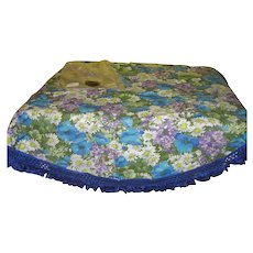 Lovely lavender and Bright Blue Tablecloth - b141