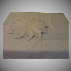 Cutwork Flowers Tablecloth and napkins - b148