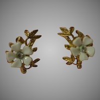 Daisies Tell Clip-on Earrings - Free shipping