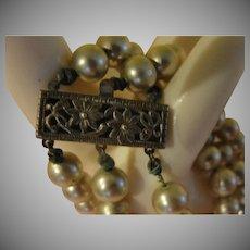 Silvery 3-strand Faux Pearl Bracelet - free shipping