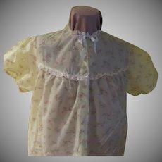 Mara Kobb Dainty print on White Short Sleeve Button front Robe