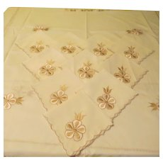 Embroidered Flower and Openwork Tablecloth and Napkins - L4