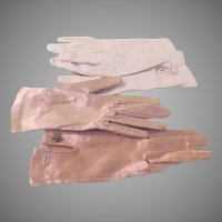 Shorty Beige and Ecru ''to the wrist'' Gloves - b190