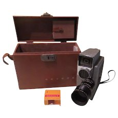 Revere Cine Zoom Eye Master 8MM Camera  CA-7 with Wollensak lens - b190