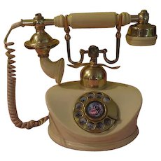 Dial M... French Rotary Phone - b204