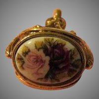 Roses on Roller Pendant - free shipping