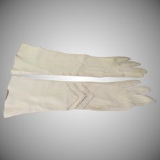 Chevron Pierced Design Leather Gloves - b211