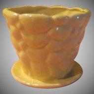 Brush-McCoy 303 Yellow Pebble Flowerpot - b211
