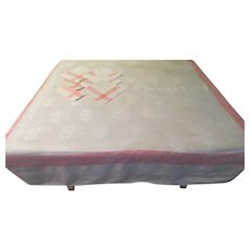 White With Pink Stripe Border Tablecloth and Napkins - b211