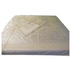Woven Pink Damask Tablecloth and Napkins - b211