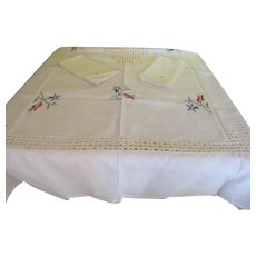 Embroidered Flower Drawn Thread Tablecloth and Napkins - b220