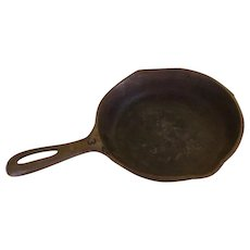 Griswold Small Cross #3 made in USA  skillet - b222