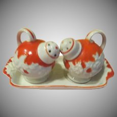 Ball Jugs on Tray Salt and Pepper Shakers - b226