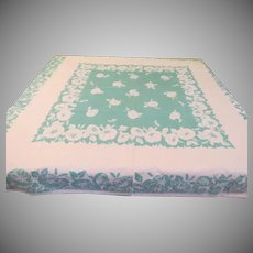 White 4 o'clocks on Green Tablecloth - b221
