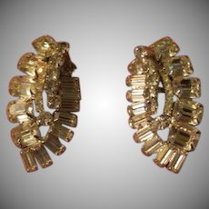 Curving Radiant Rhinestone Clip-on Earrings - Free shipping