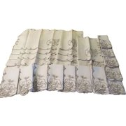 Maderia Pansy Flower Placemats and Napkins - b224