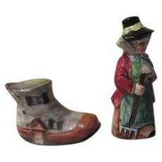 Old Woman and Shoe Salt and Pepper Shakers - b245