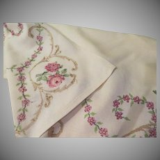 Delicate Petti-point Stitched Tablecloth - b224