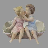 Stealing a kiss Inarco Planter - b236