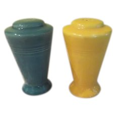 Homer Laughlin Harlequin Yellow and Spruce Salt and Pepper Shakers - b236