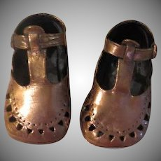 T-strap Bronzed baby shoes - b237