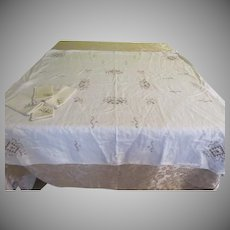 Card Party Tablecloth ans Napkins - b239