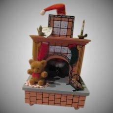 "Santa in Chimney ""Here Comes Santa"" Enesco Music Box - b243"