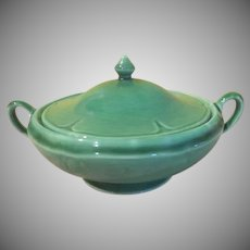 Green Homer Laughlin Covered Casserole - b249