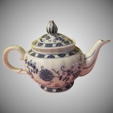 Vienna Woods Blue Onion Teapot - b257