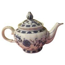 Vienna Woods Blue Onion Teapot - b257