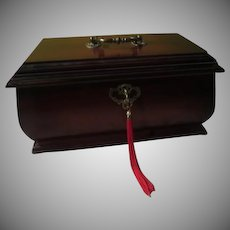 Lock and Key Jewelry/treasure Box - b253